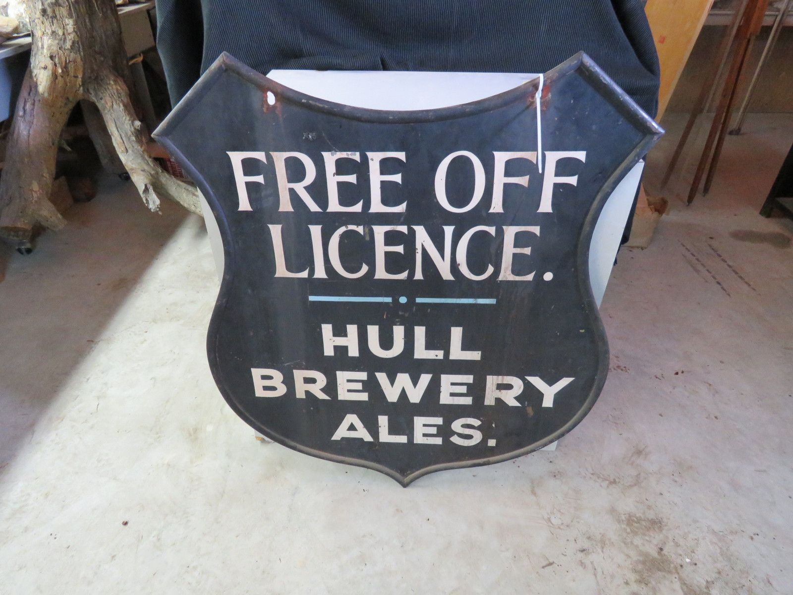 Hull Brewery Ales Painted Tin Sign - Image 2