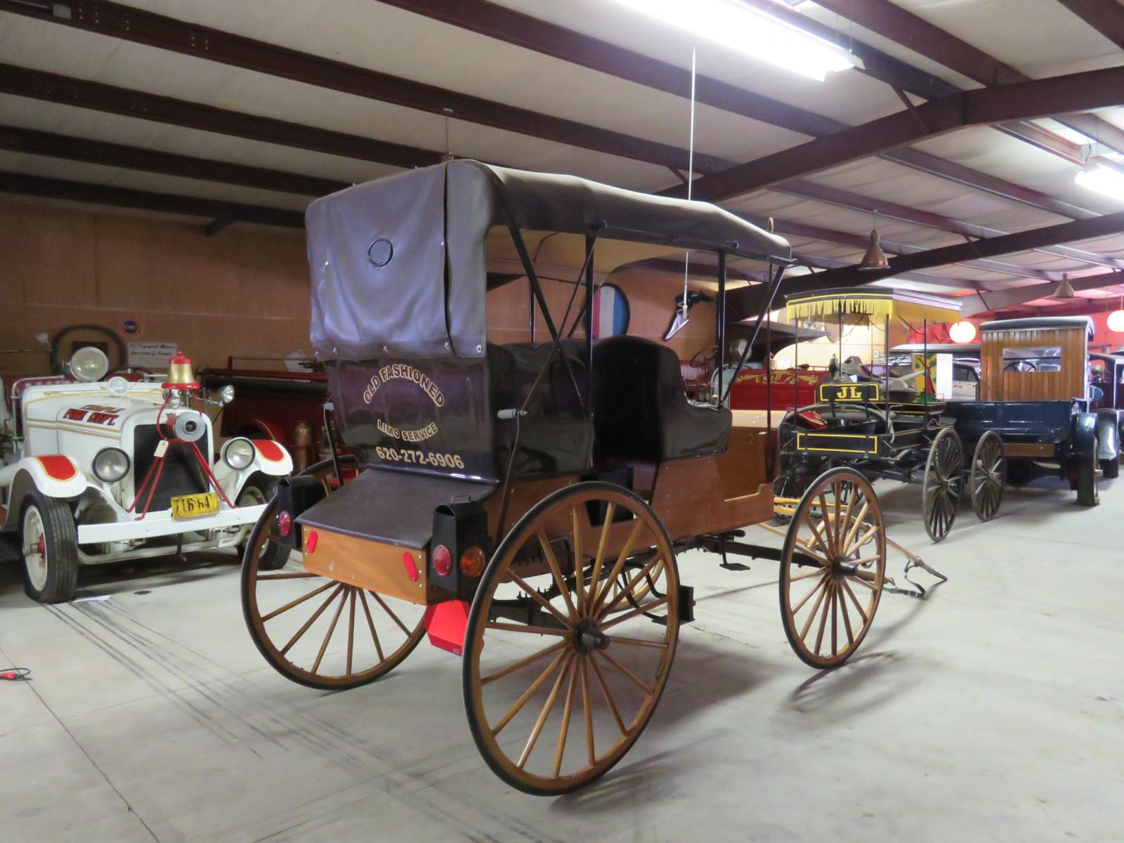 Horse Drawn 2 Seated Buggy - Image 3