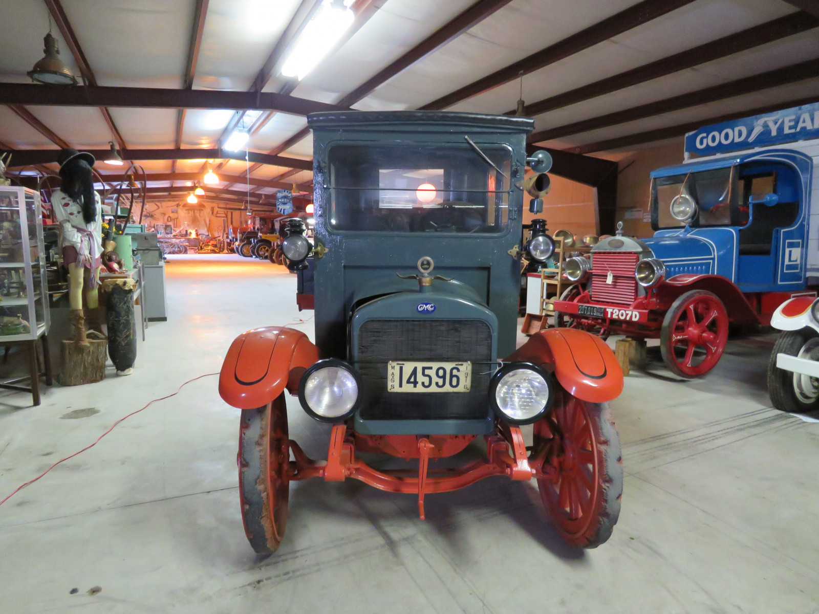 RARE 1916 GMC Closed Cab Model K16 Truck - Image 2