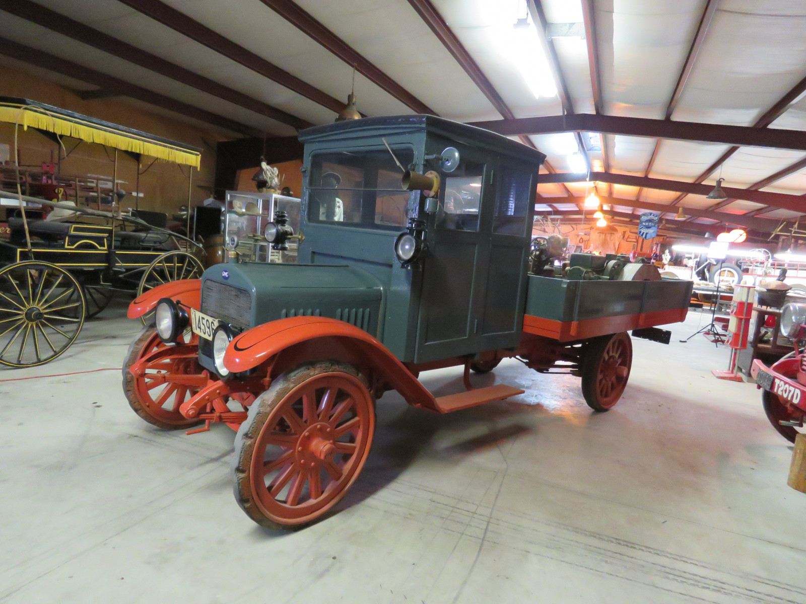 RARE 1916 GMC Closed Cab Model K16 Truck - Image 3