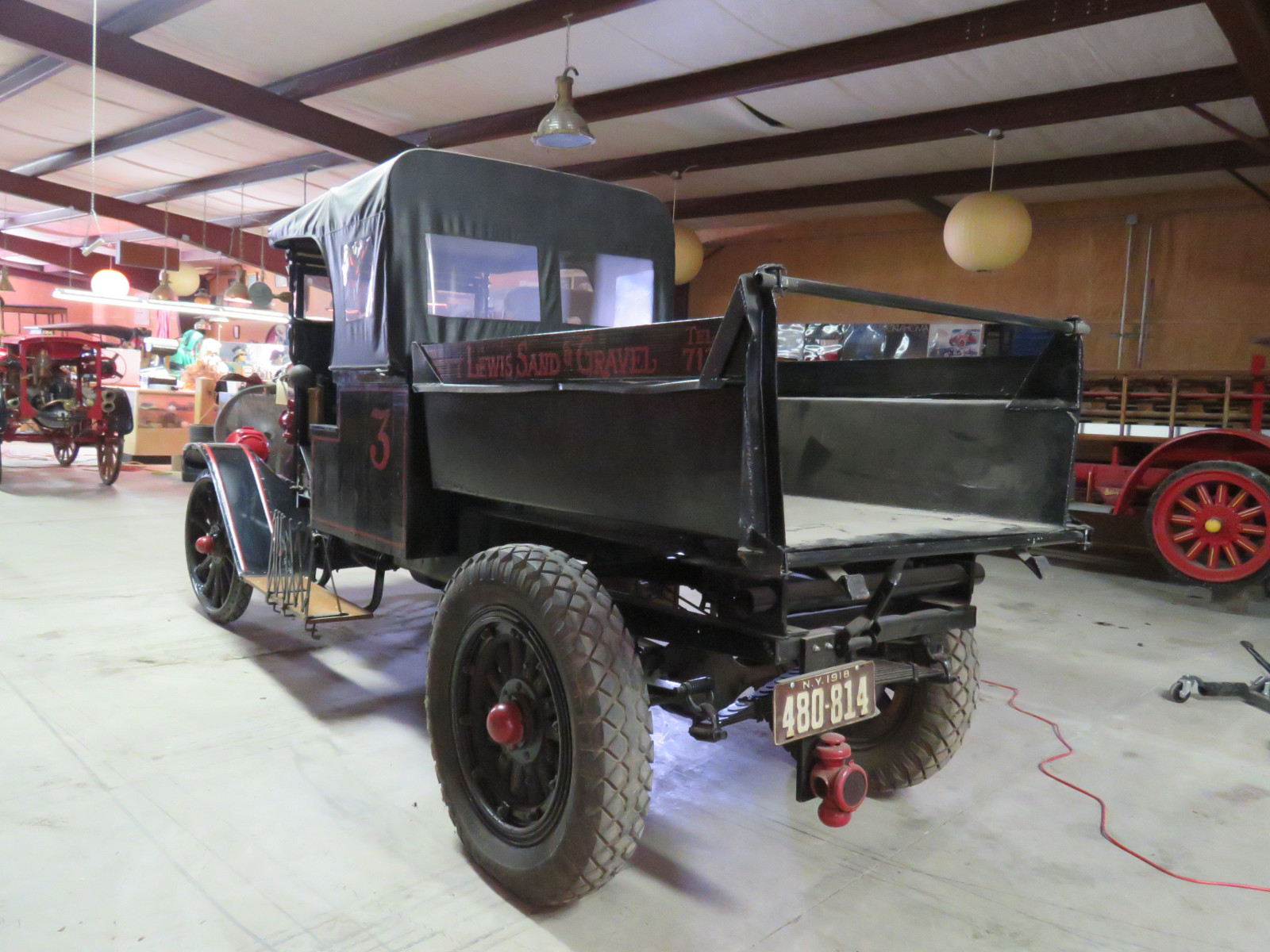 RARE 1918 International Dump Truck - Image 4