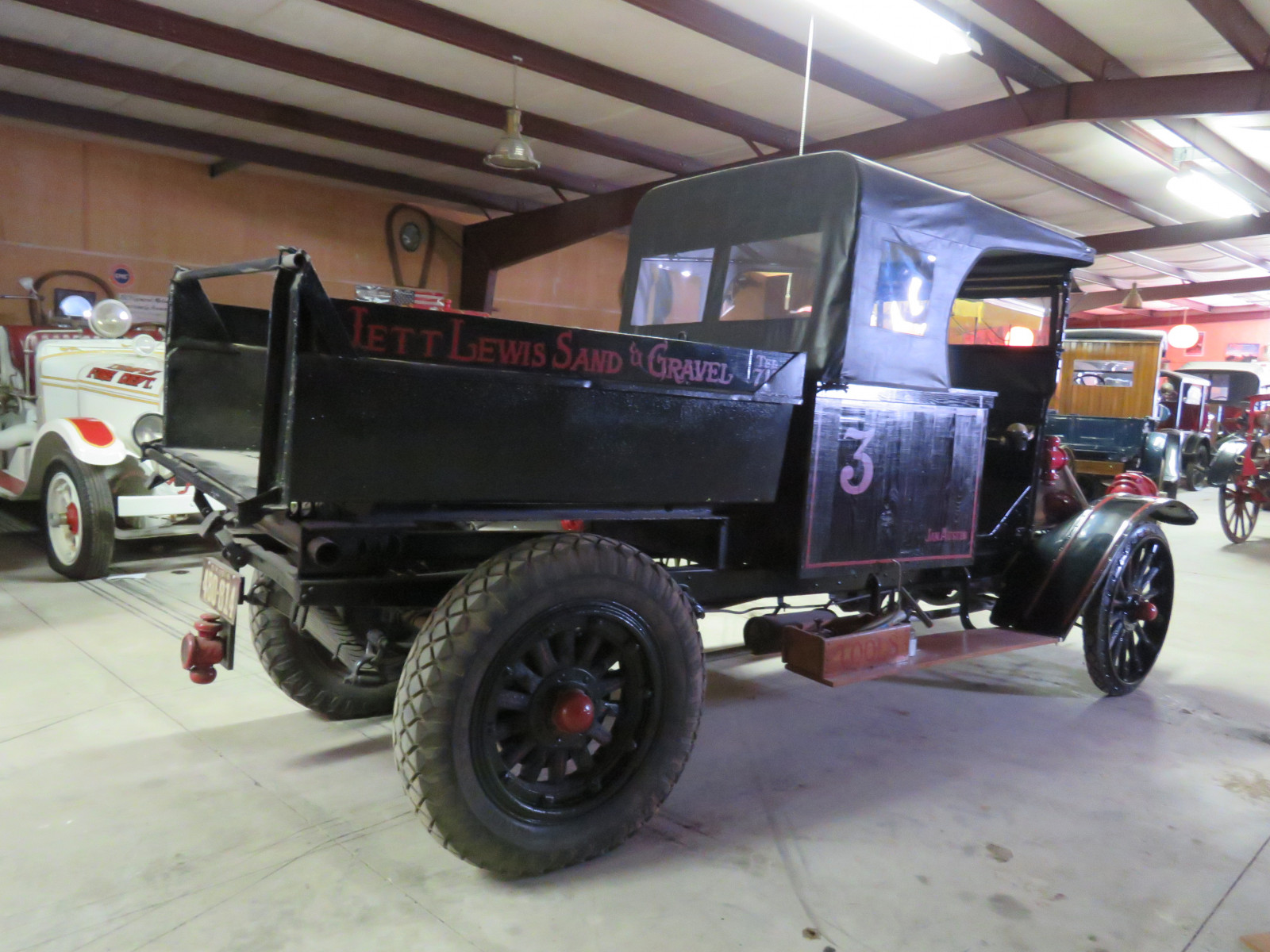 RARE 1918 International Dump Truck - Image 6