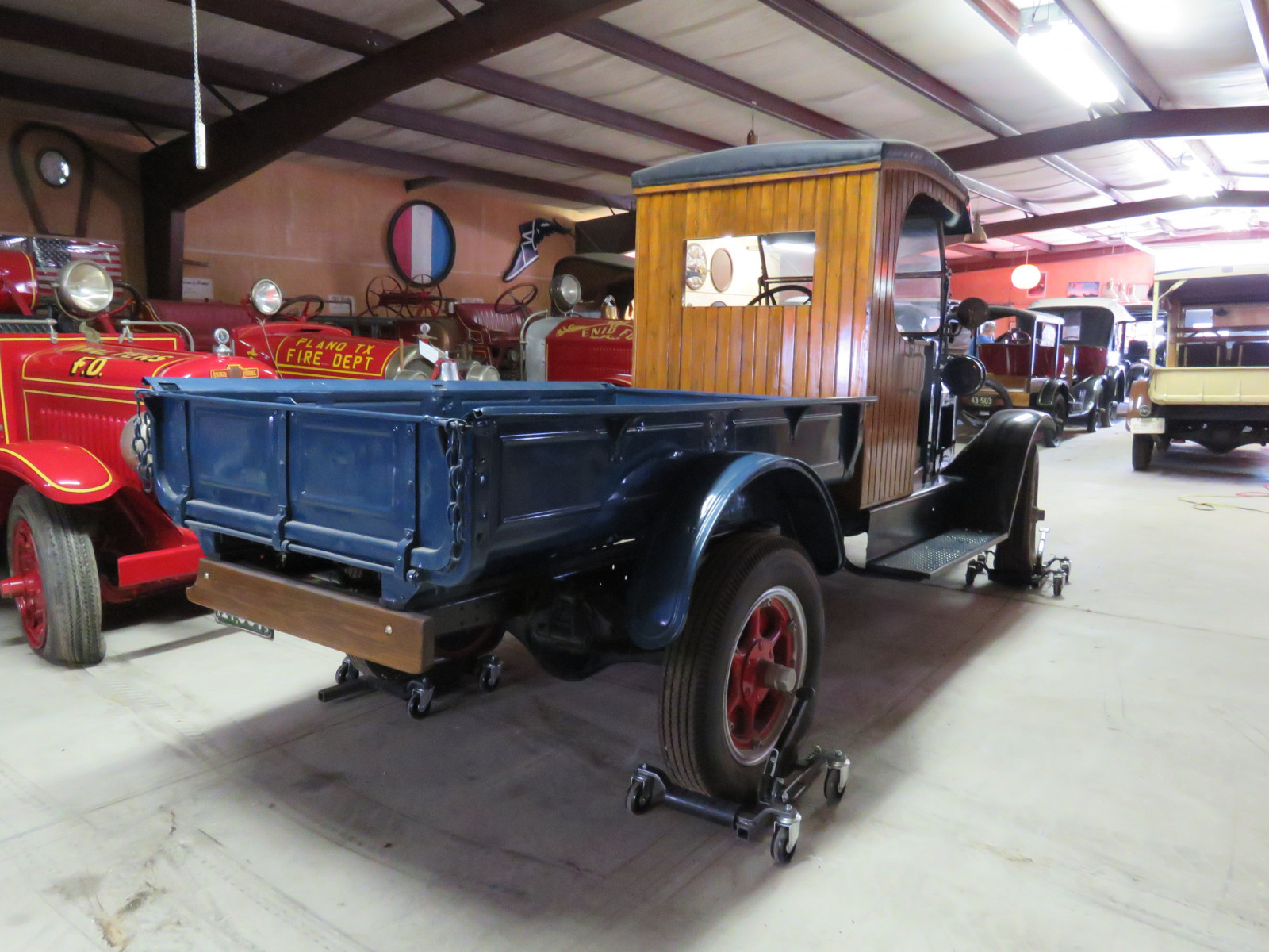 1925 International Model S 1 1/2 ton Express Truck - Image 6
