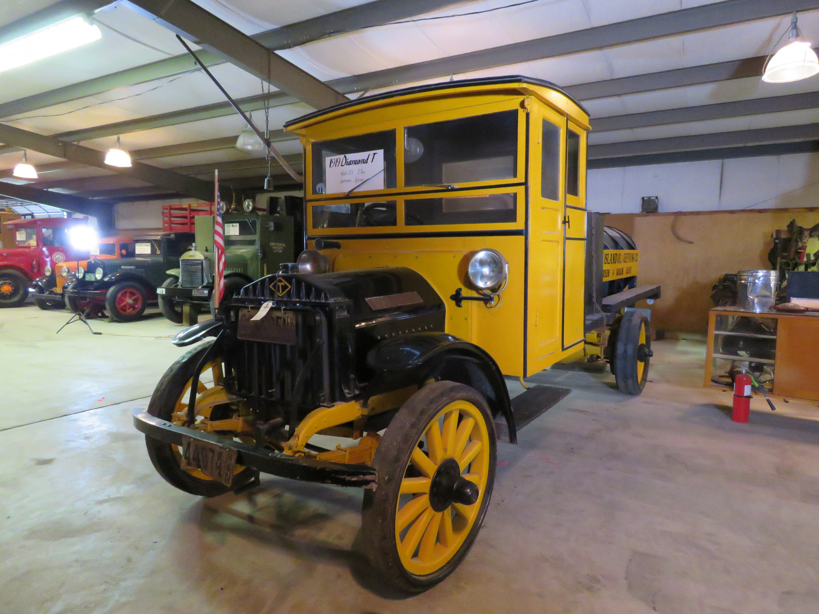 1919 Diamond T Model J3 2 ton Fuel Truck - Image 1