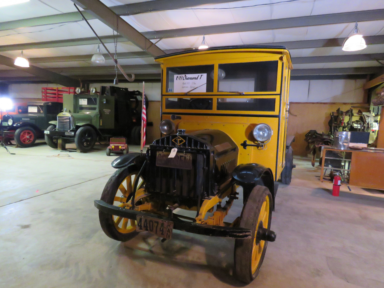1919 Diamond T Model J3 2 ton Fuel Truck - Image 2