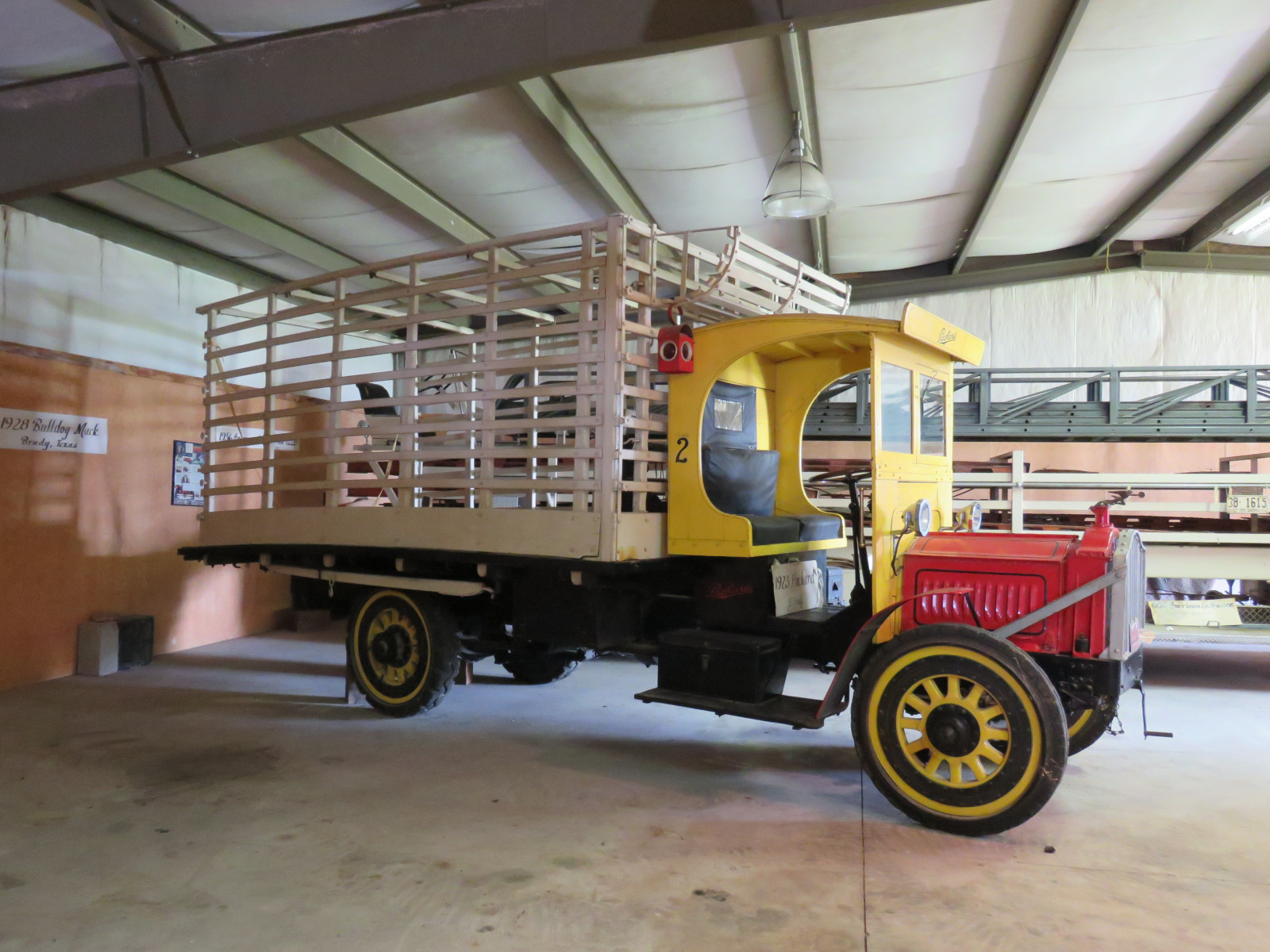 1923 Packard 2 ton Truck - Image 4