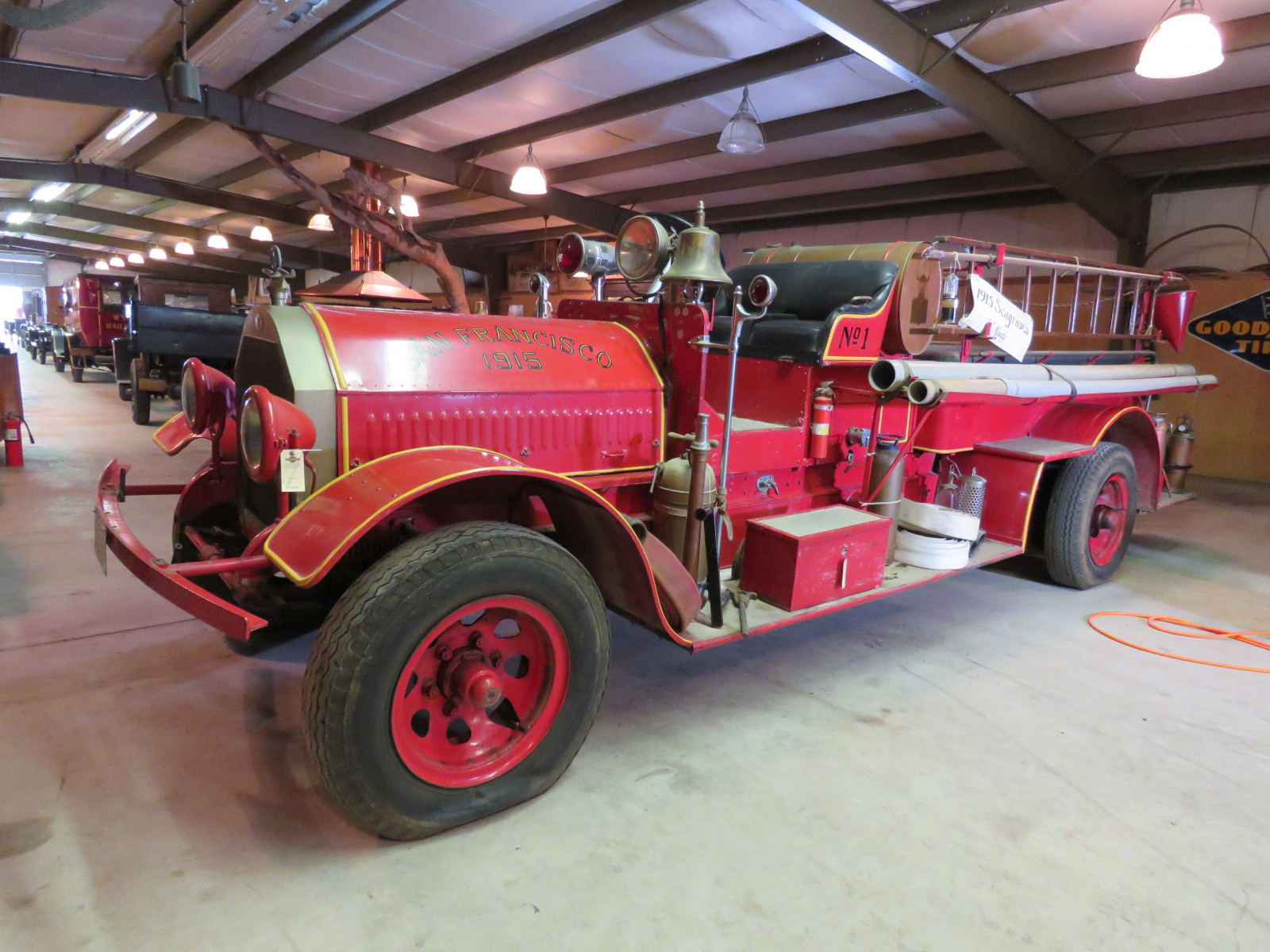 1915 Seagraves Fire Truck - Image 12