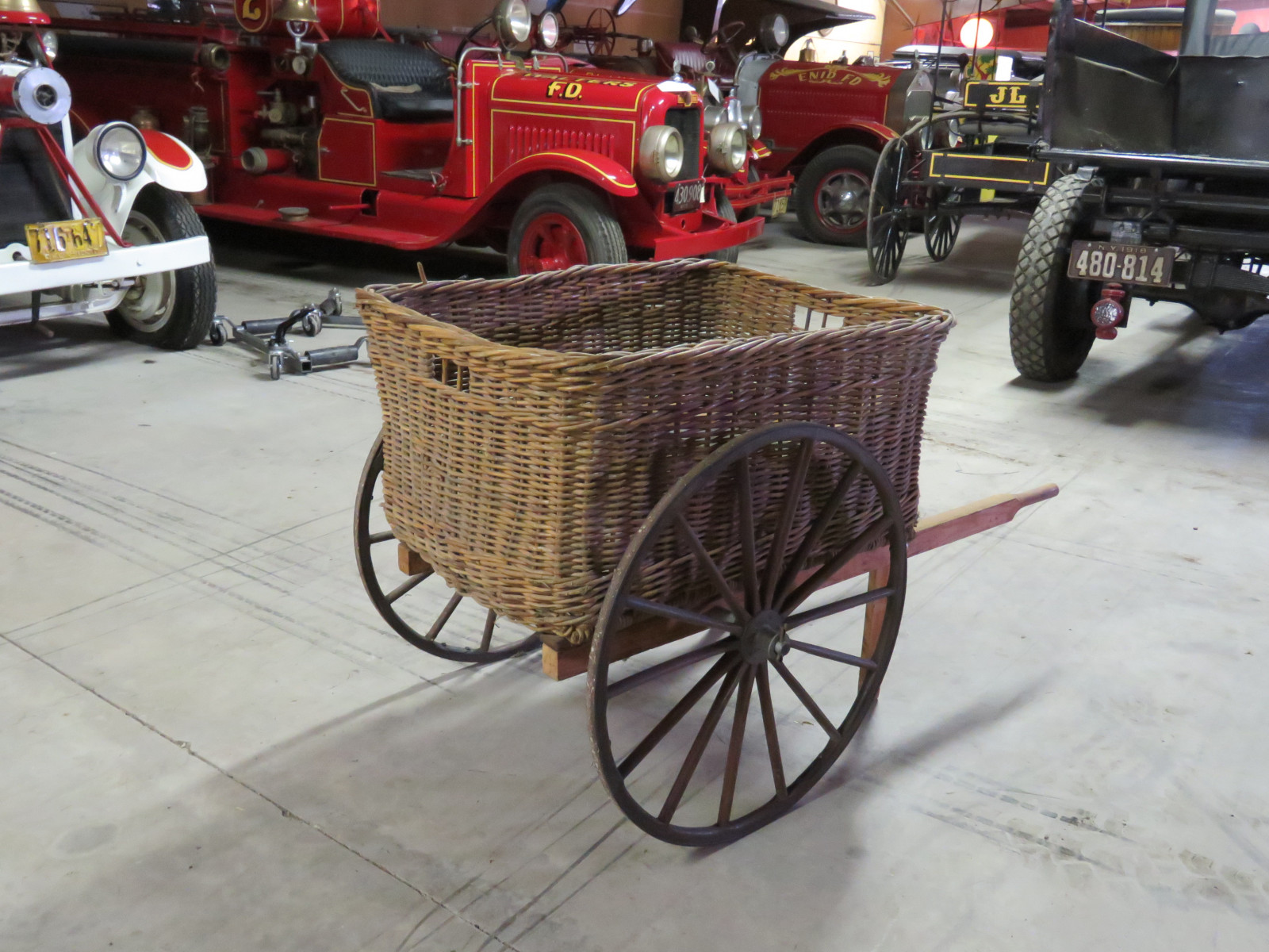 Wicker Pony Cart - Image 2