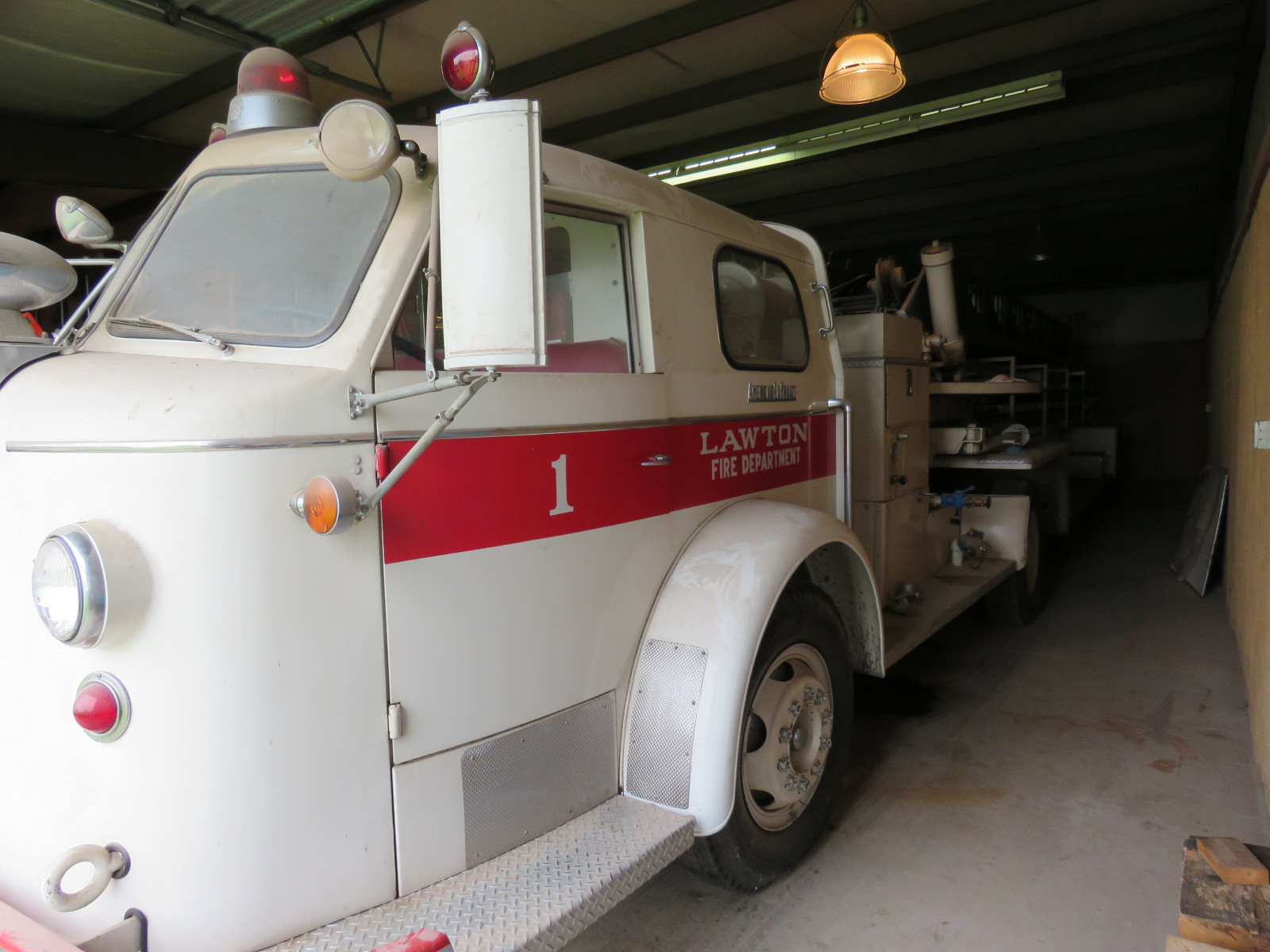 1956 American LaFrance Model K Ladder-Rescue Truck - Image 3
