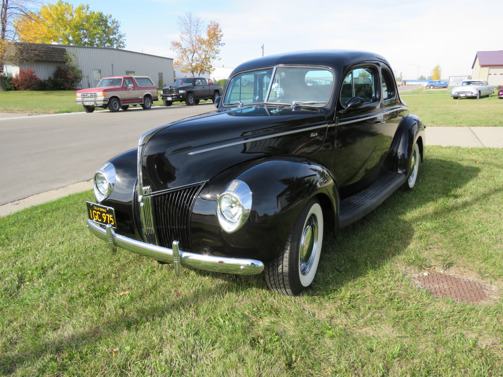 Beautiful 1940 Ford Coupe - Image 2