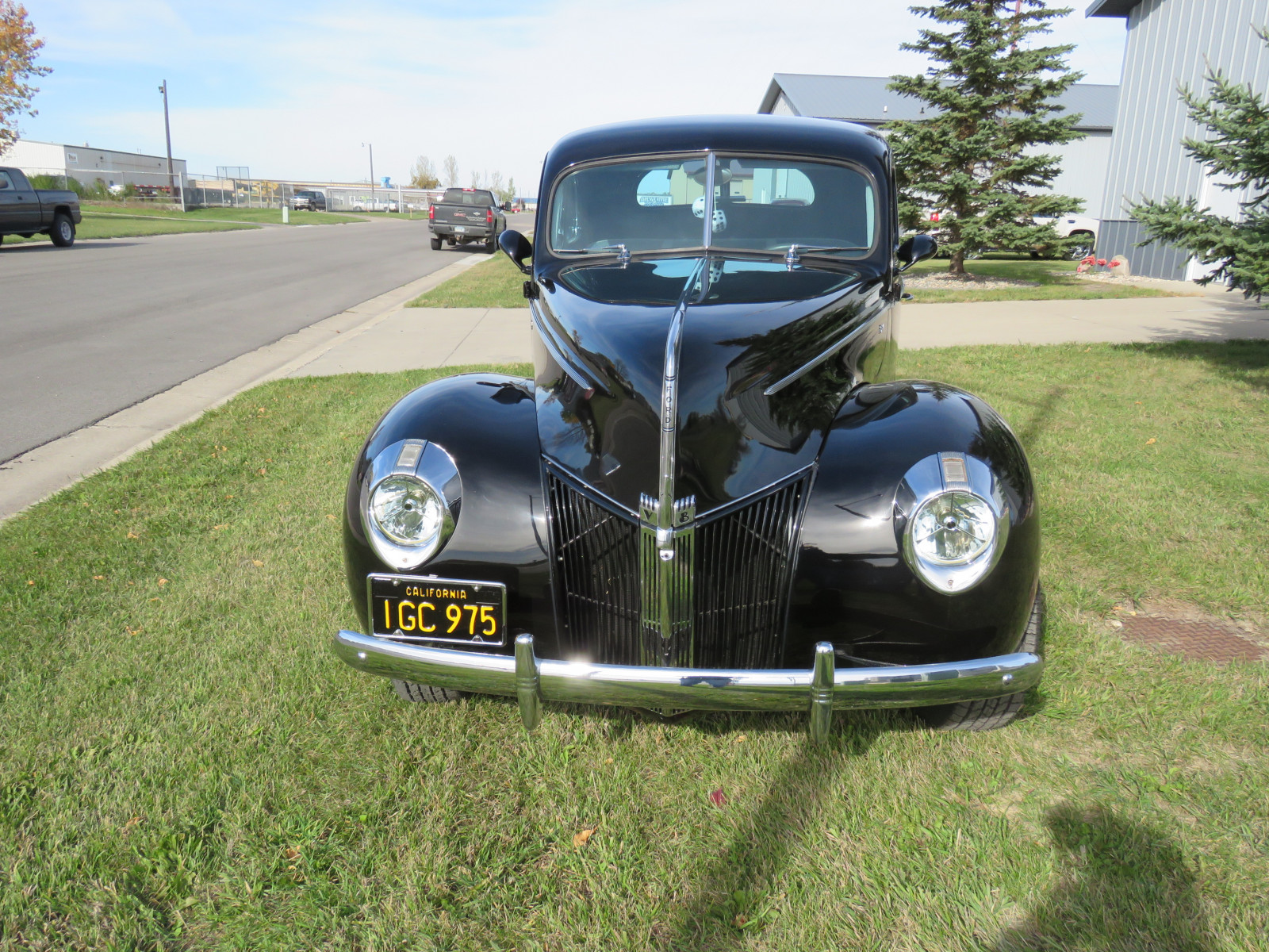 Beautiful 1940 Ford Coupe - Image 3