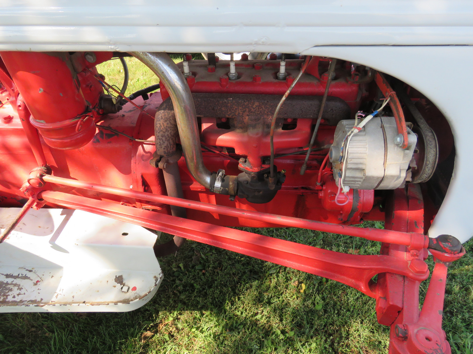 Ford 9 N Tractor - Image 4