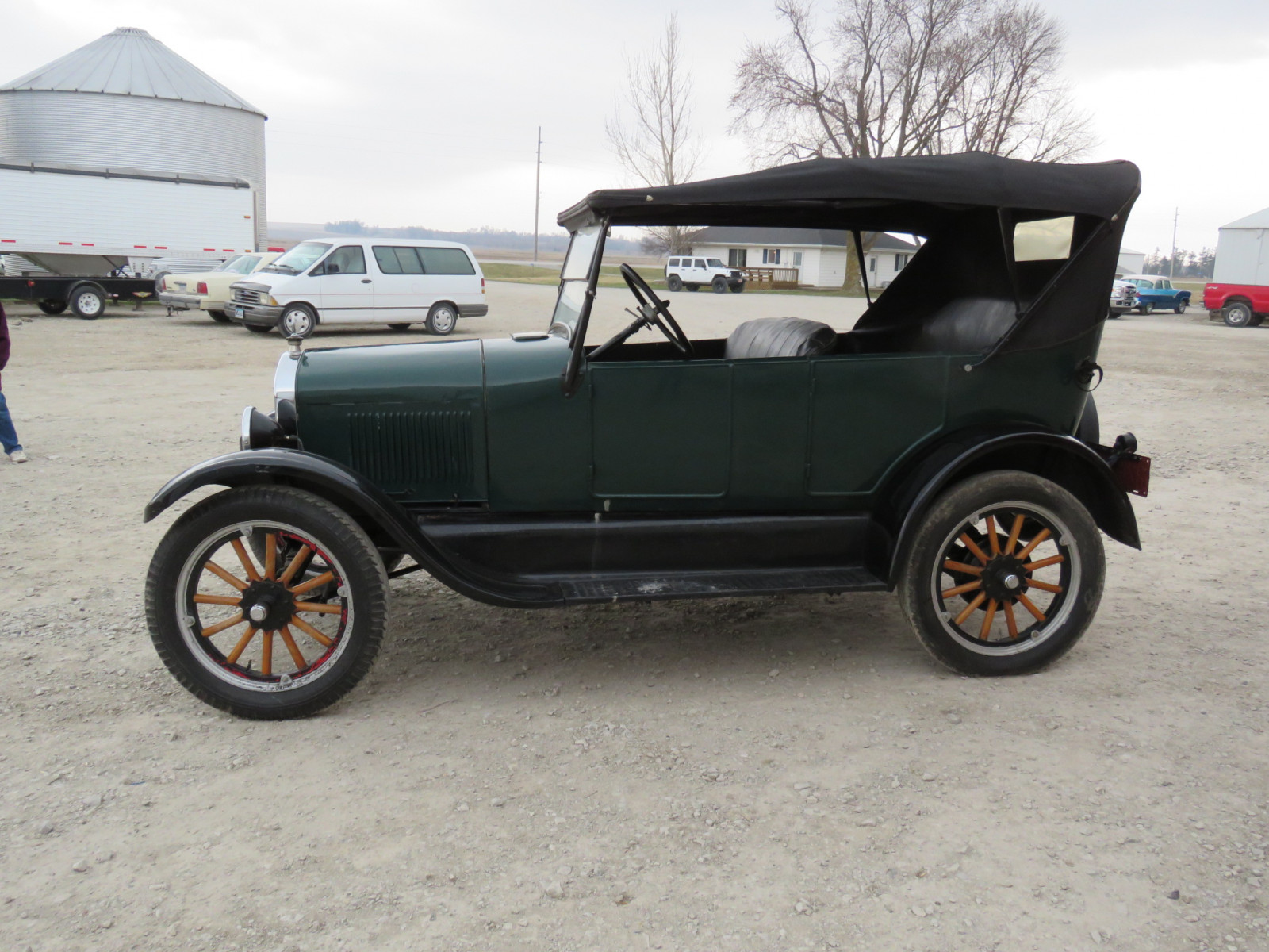 1926 Ford Model T Roadster - Image 4