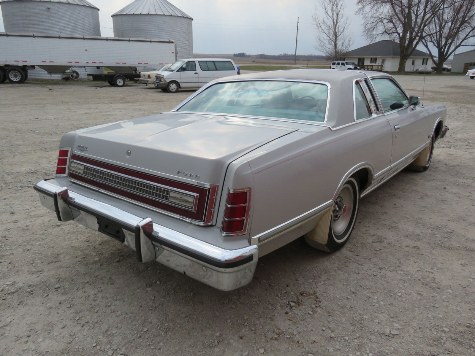 1977 Ford LTD Coupe - Image 5
