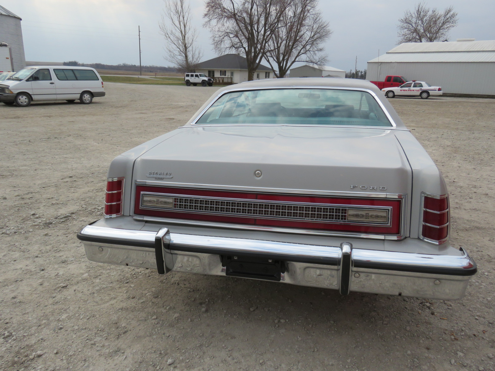 1977 Ford LTD Coupe - Image 6
