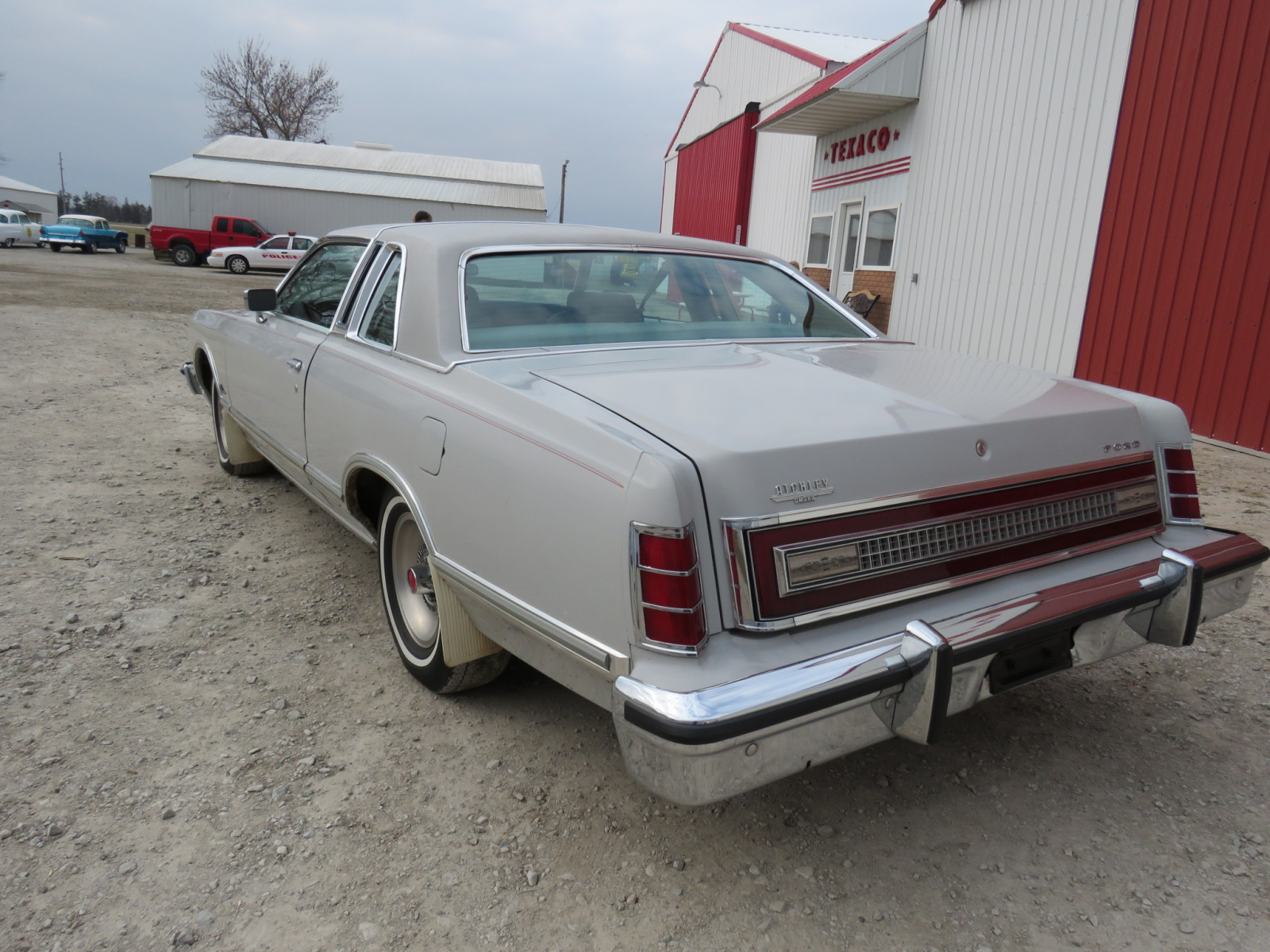 1977 Ford LTD Coupe - Image 7
