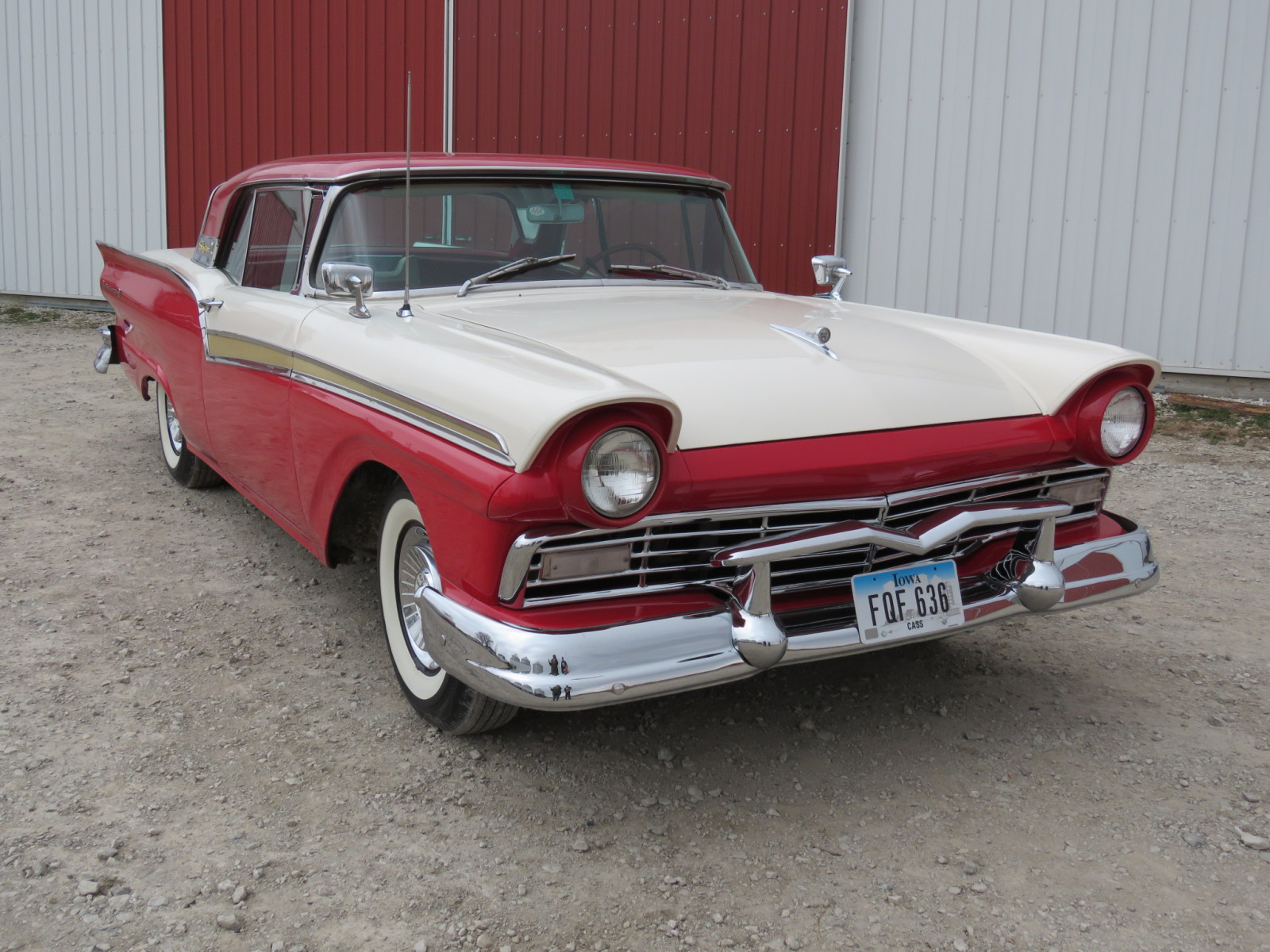 1957 Ford Fairlane 500 Skyliner Retractable hard Top - Image 1