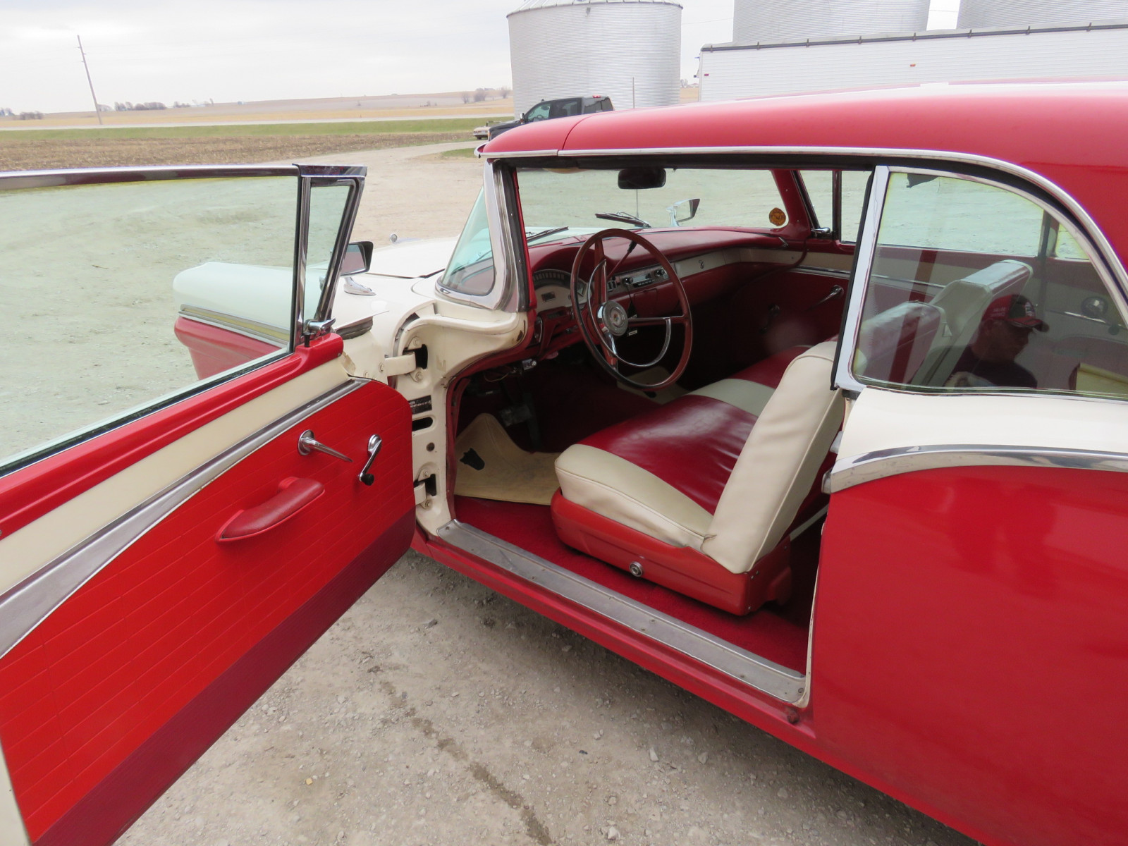 1957 Ford Fairlane 500 Skyliner Retractable hard Top - Image 9