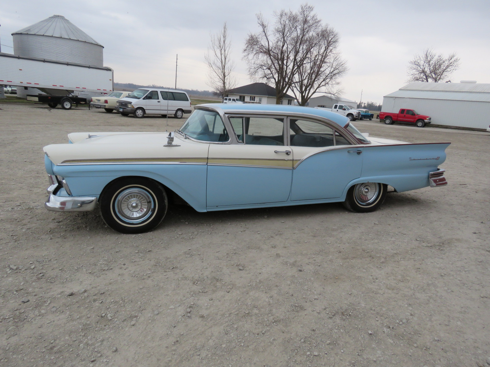 1957 Ford Fairlane 500 4dr Sedan - Image 5