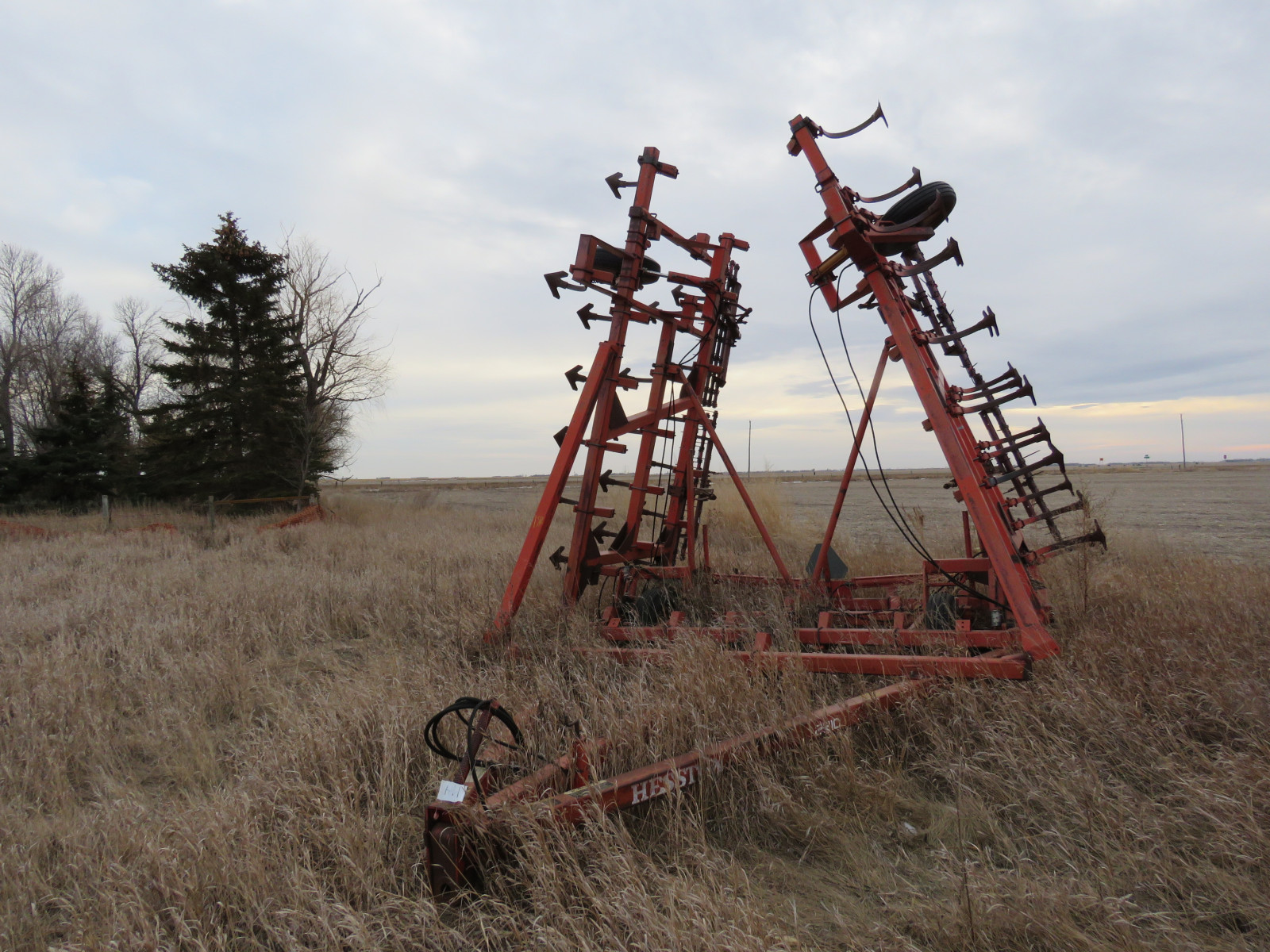 Hesston 37 1/2 ft Field Cultivator - Image 1