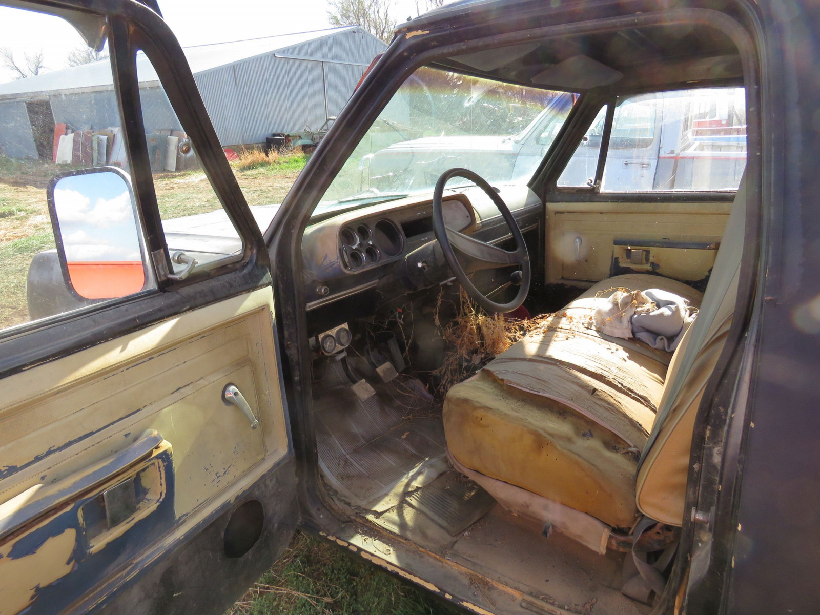 Dodge D150 Pickup - Image 6