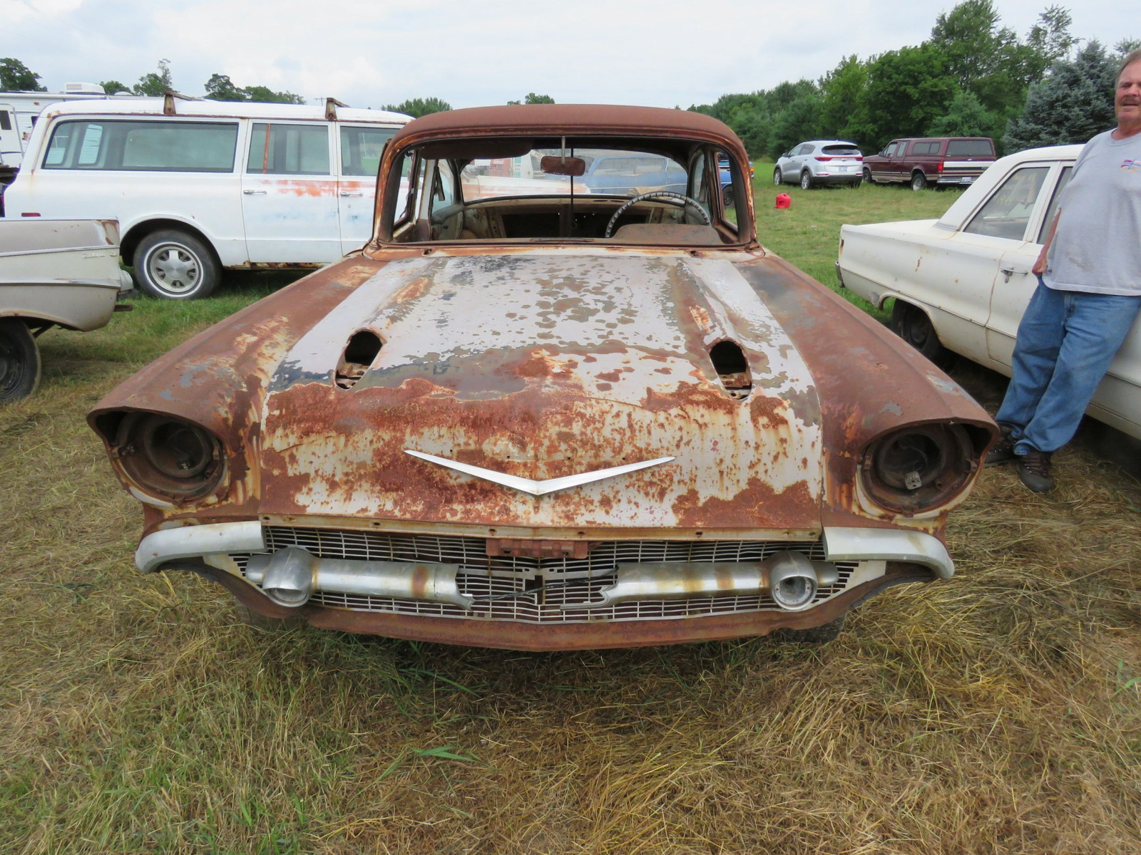 1957 2Dr Sedan Rolling Body for Rod or Restore - Image 2