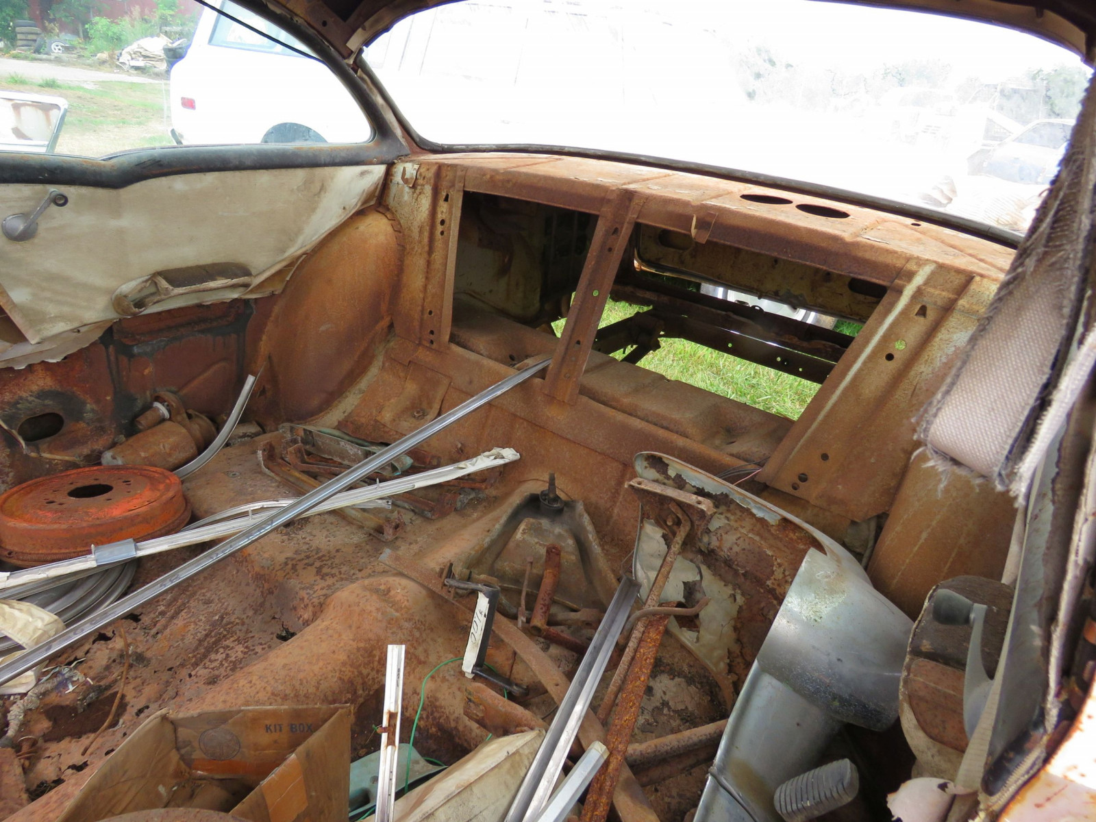 1957 2Dr Sedan Rolling Body for Rod or Restore - Image 7
