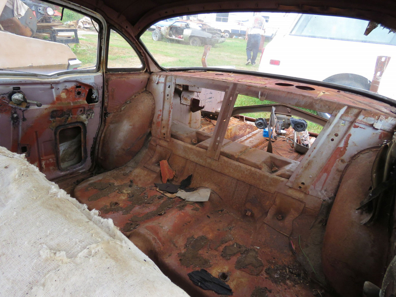 1957 Chevrolet 4dr Sedan for Rod or Restore - Image 9