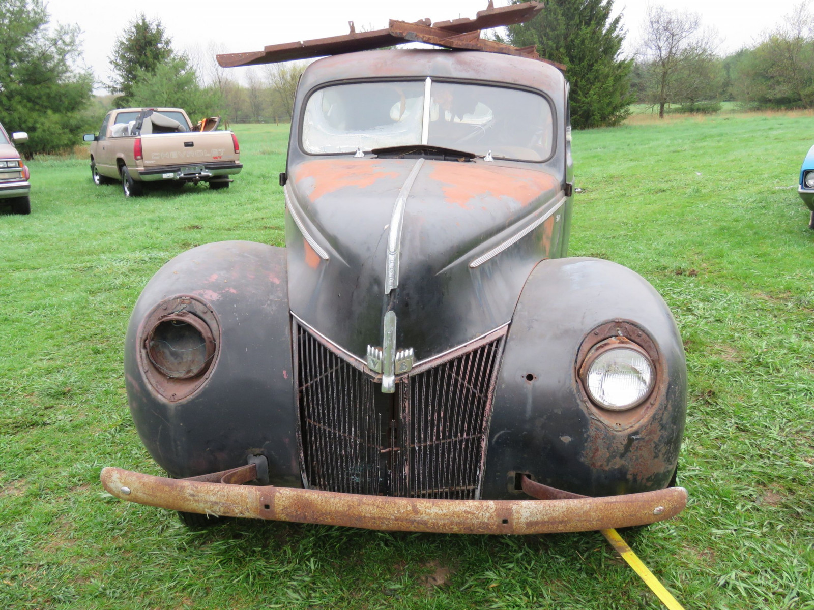1940 Ford 2dr Sedan for Rod or Restore - Image 2