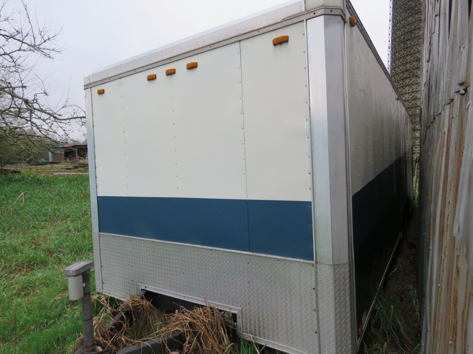 Enclosed Trailer - Image 2