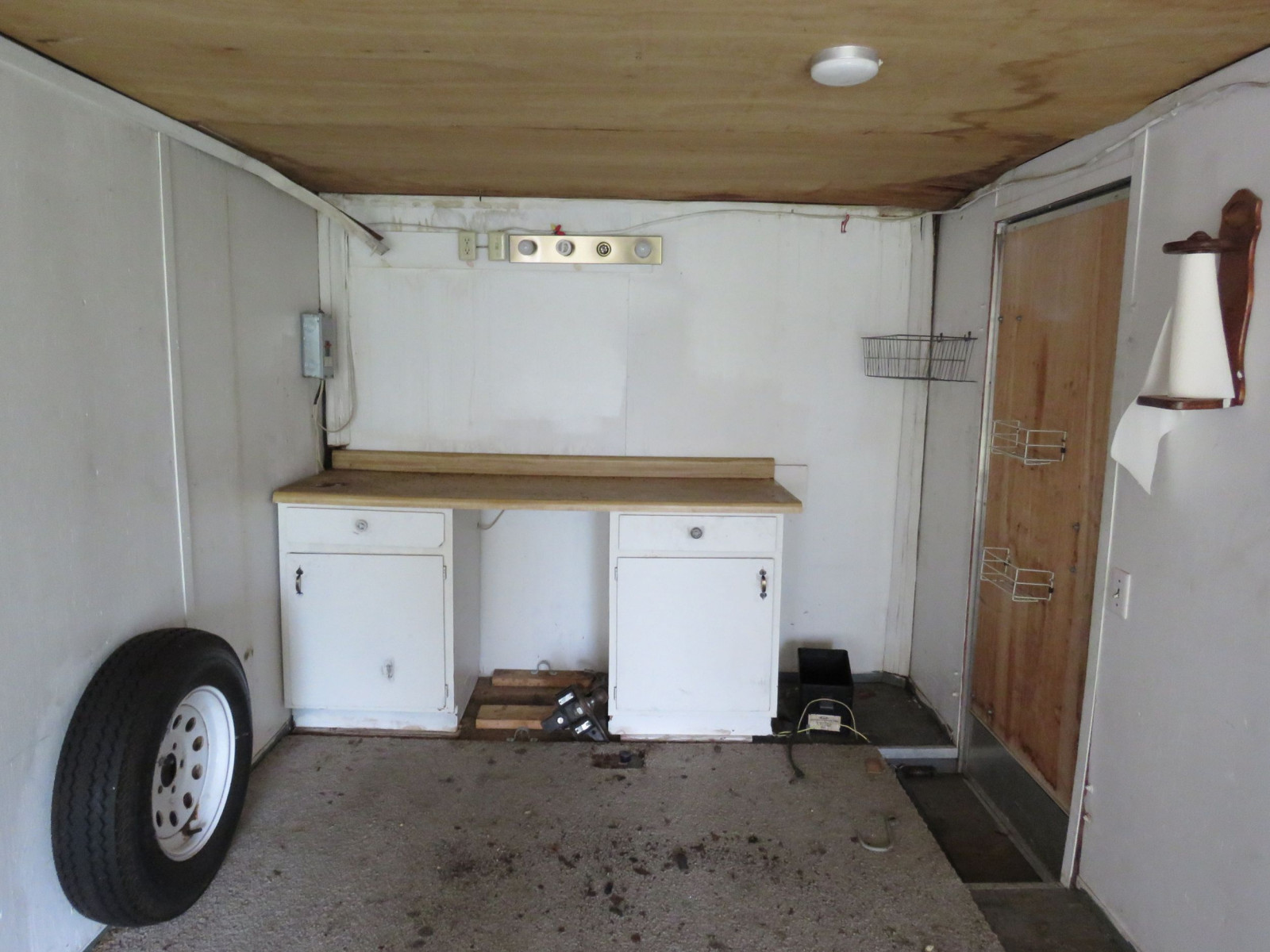 Enclosed Trailer - Image 4