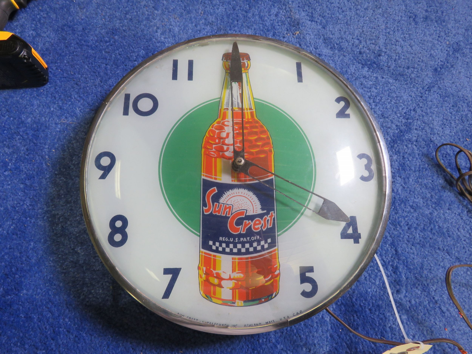 Vintage Suncrest Clock - Image 1