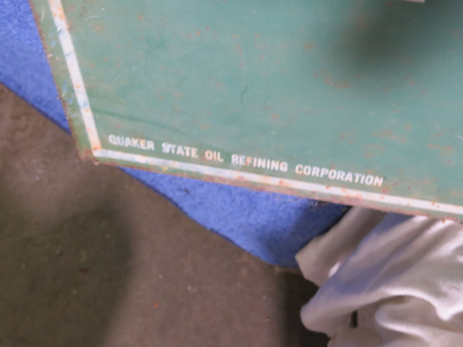 Quaker State DS Painted Tin Sign - Image 3