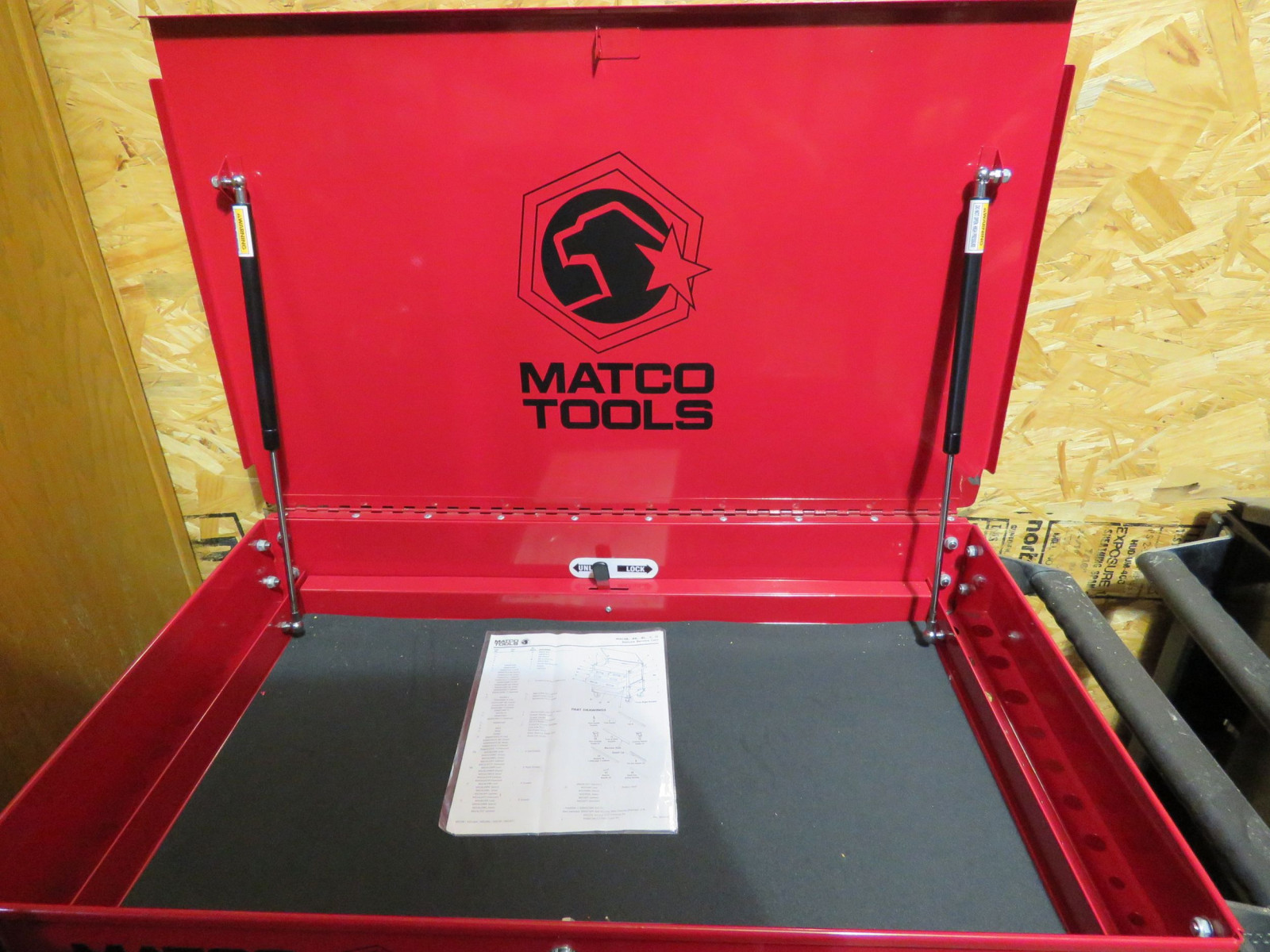 Matco NEW Tool Box. Top Compartment with locking Drawer - Image 2