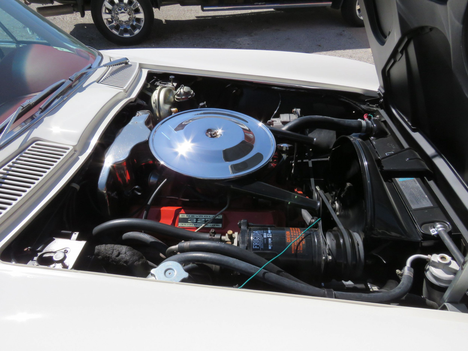 Beautiful 1964 Chevrolet Corvette Sting Ray Coupe - Image 14