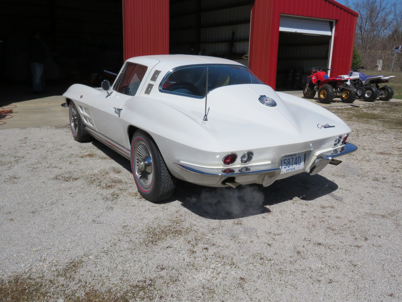 Beautiful 1964 Chevrolet Corvette Sting Ray Coupe - Image 7