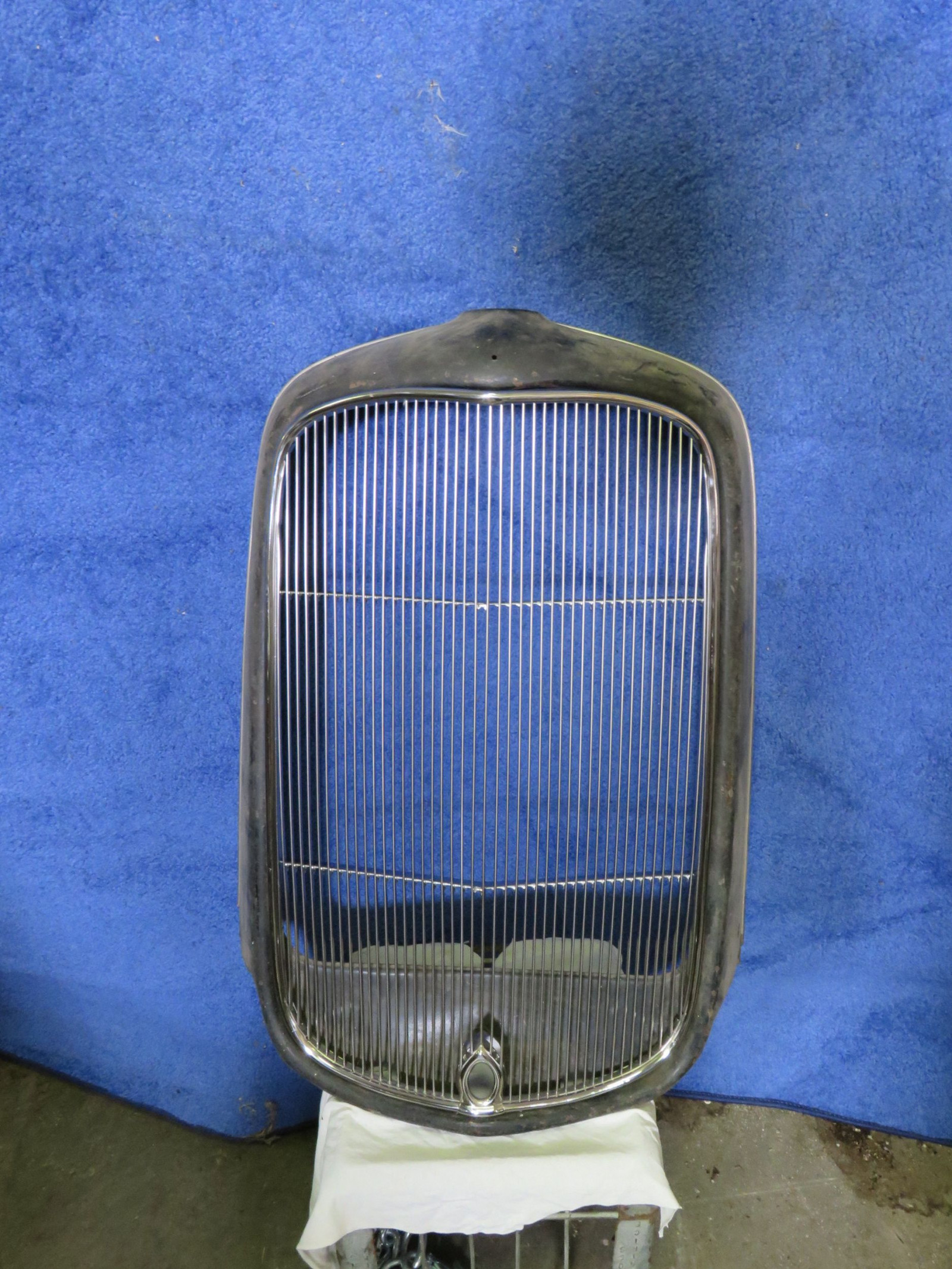 NOS 1932 Ford Grill Shell with Aftermarket Center Grill - Image 1