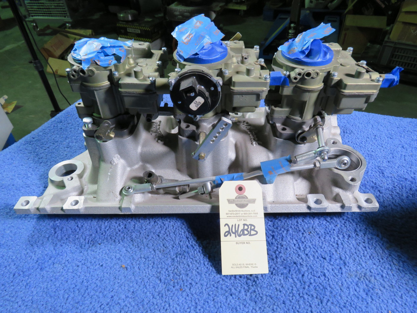 Tri-Power with Edelbrock Intake and Rochester Carbs - Image 1