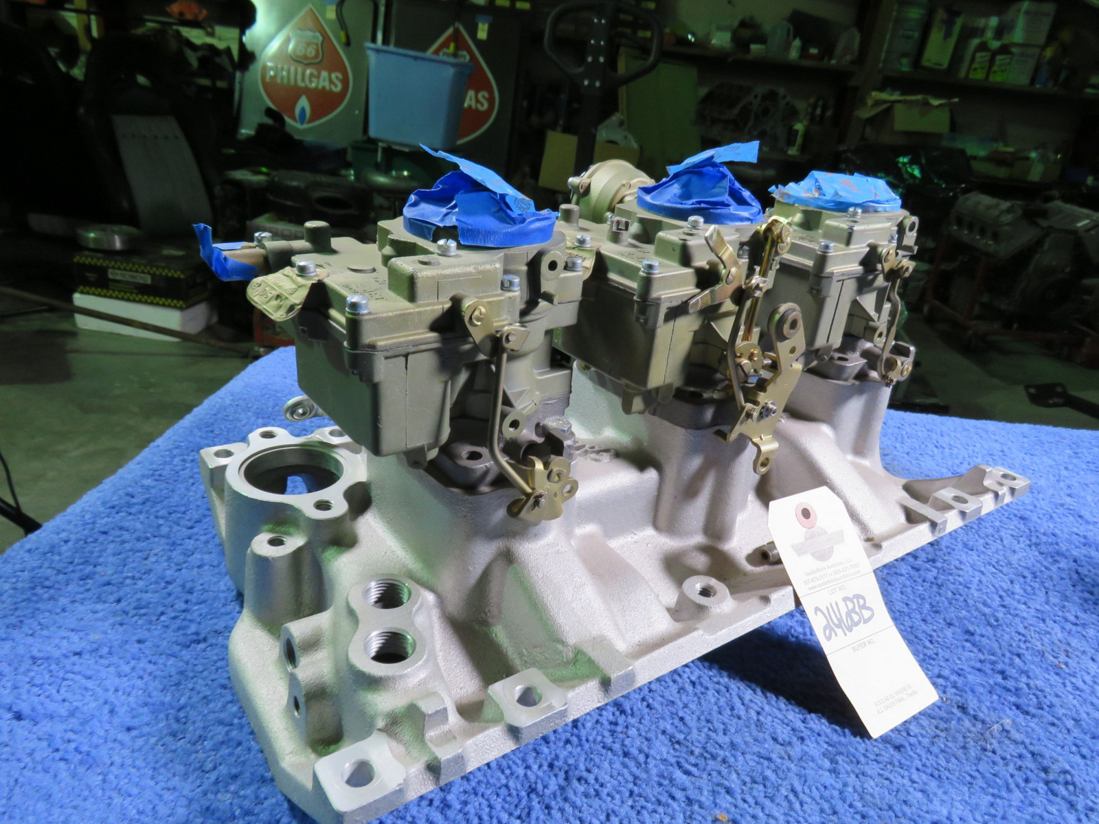 Tri-Power with Edelbrock Intake and Rochester Carbs - Image 5