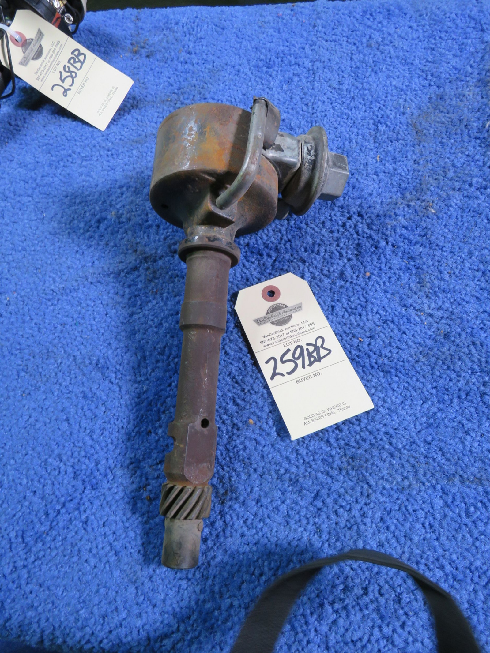 Chevrolet Dual Point Distributor 1110891-9m1 - Image 1