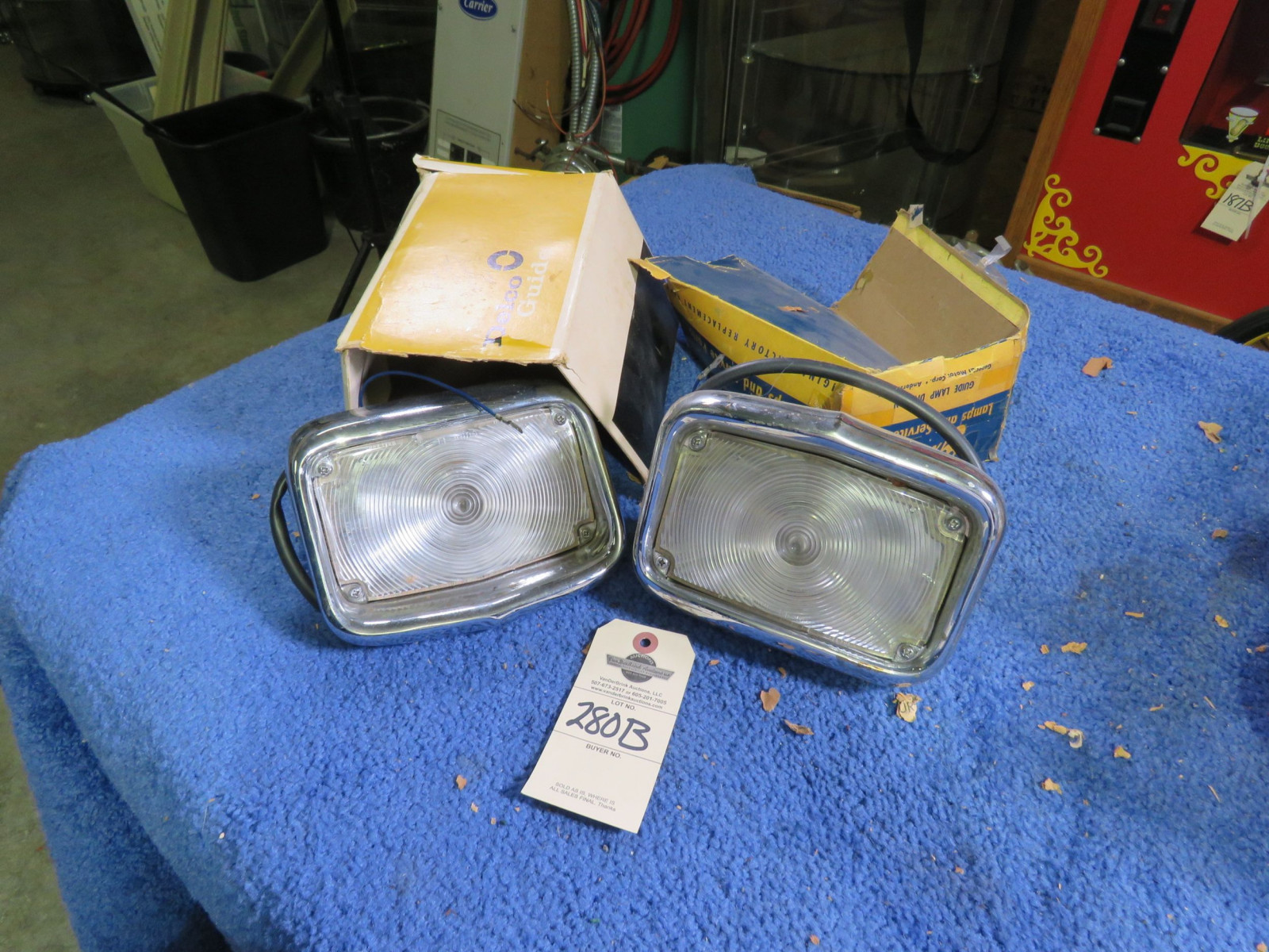 NIB 1956 Chevrolet Park Lights - Image 1