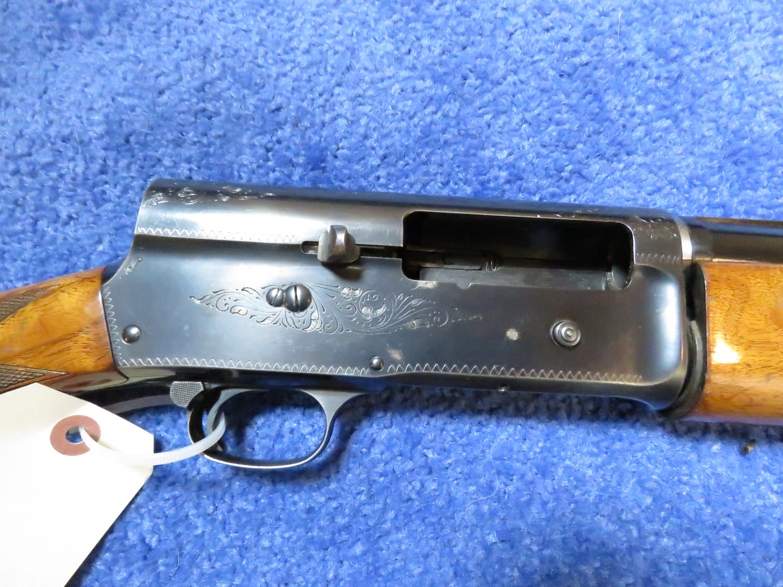 Browning Semi-automatic 12 Gauge Shotgun - Image 5