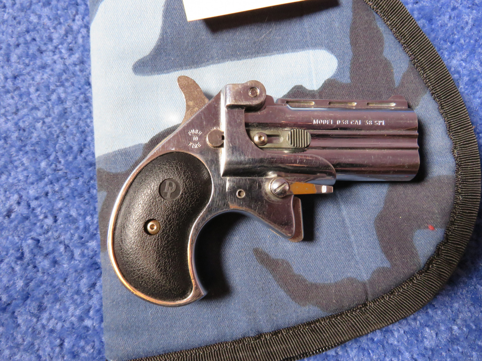 Davis Industries Model D38  .38 Special Handgun - Image 2