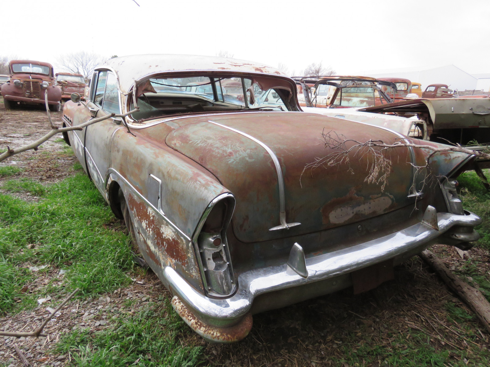 1956 Buick Roadmaster 4dr HT C1076048 - Image 3
