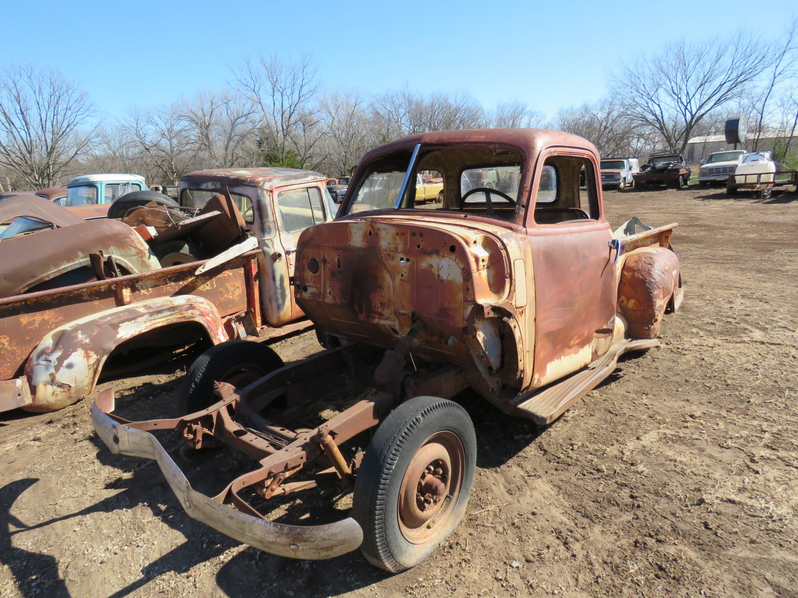 1940's Chevrolet 5 window Cab for parts - Image 2