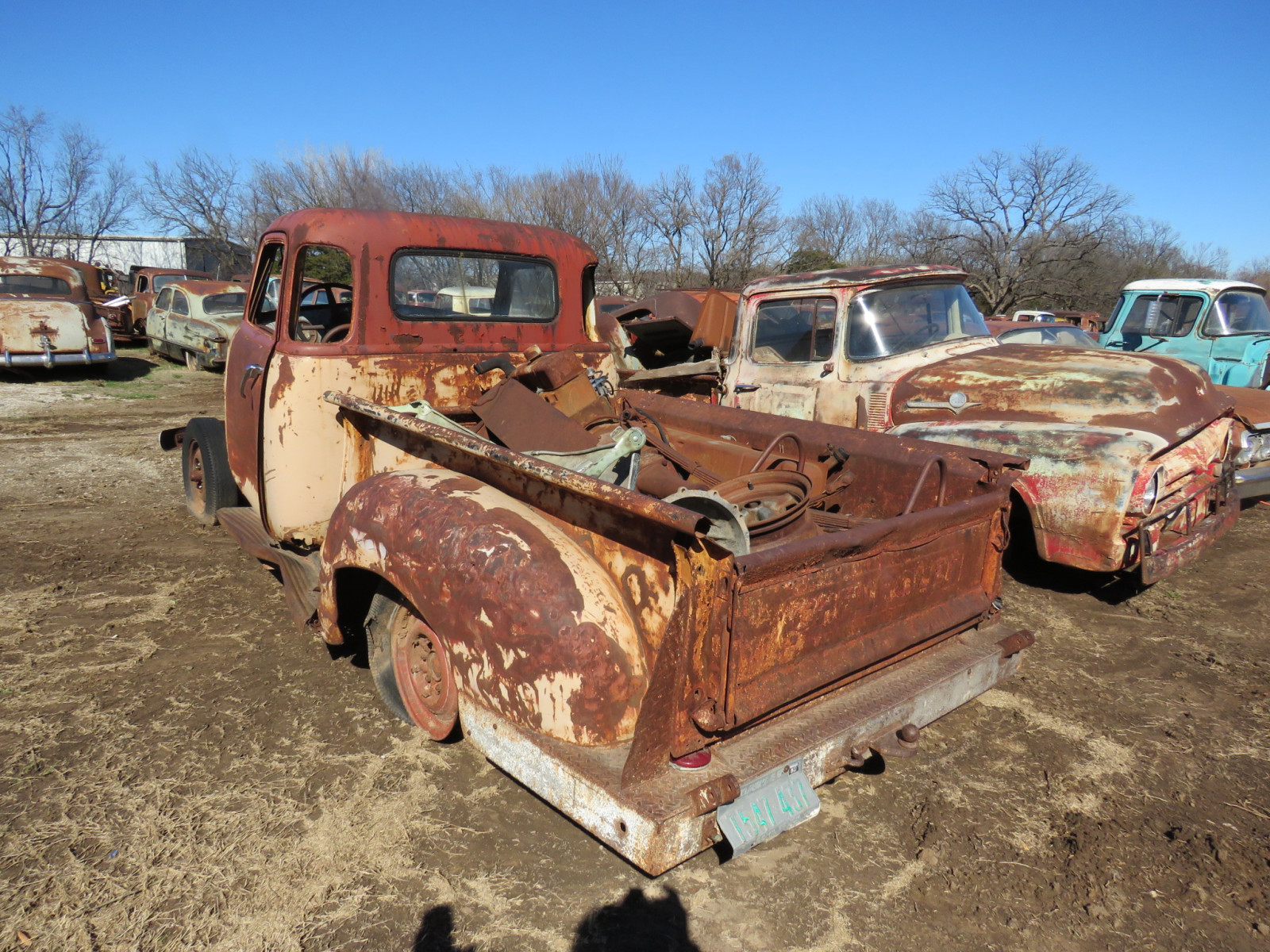 1940's Chevrolet 5 window Cab for parts - Image 3