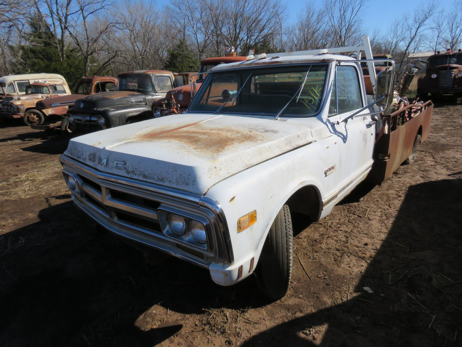 GMC Pickup with flatbed - Image 1