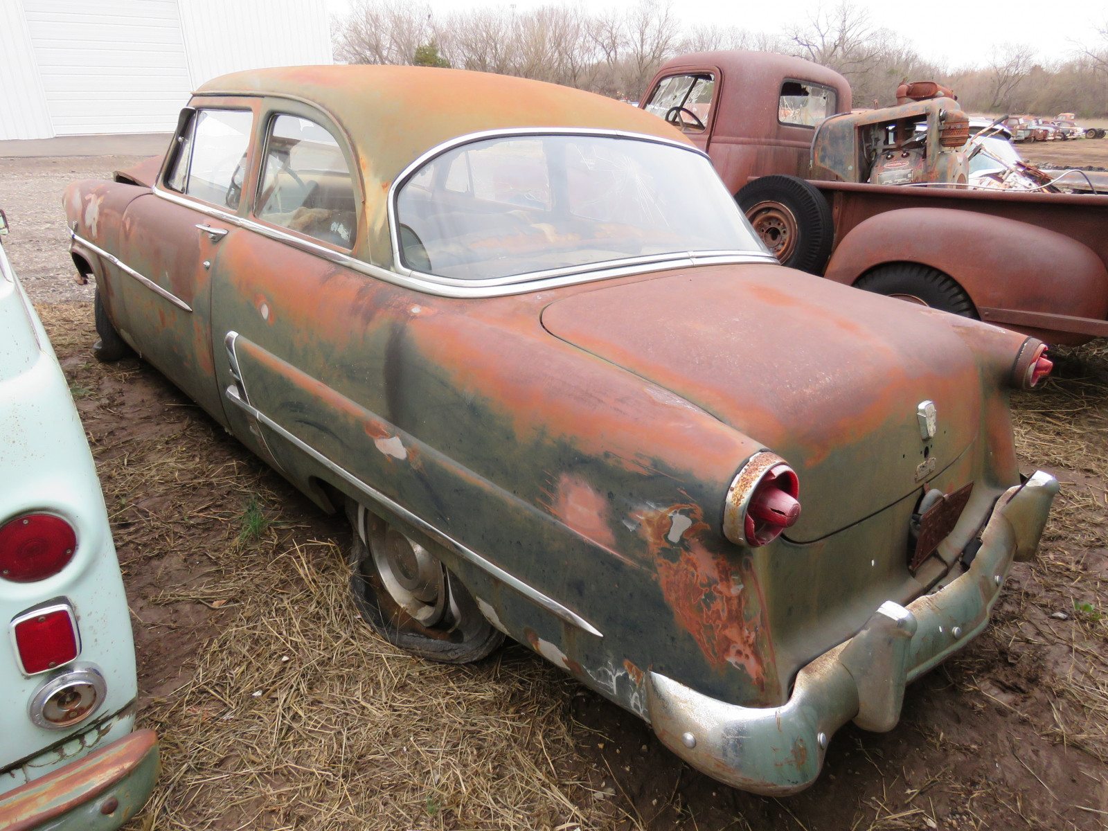 1948 Ford Customline 2dr Post 8BDG125986 - Image 5