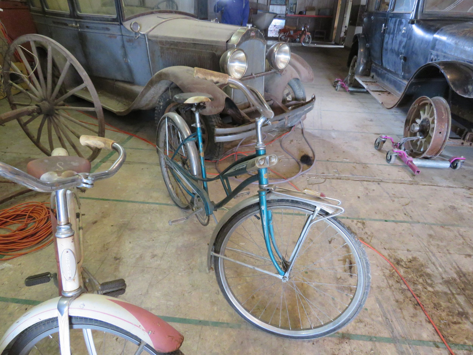 Vintage Murray girls Bicycle - Image 2