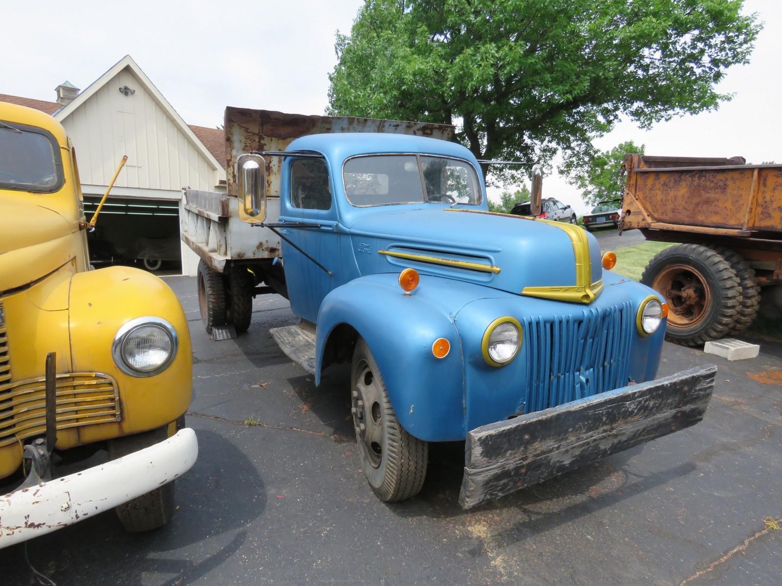 1946 Ford Dump Truck - Image 1